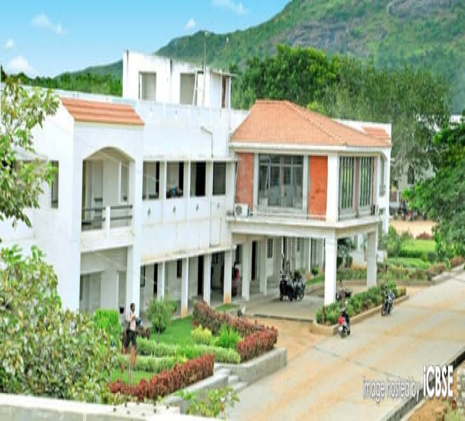 Salem Sowdeswari College-cover