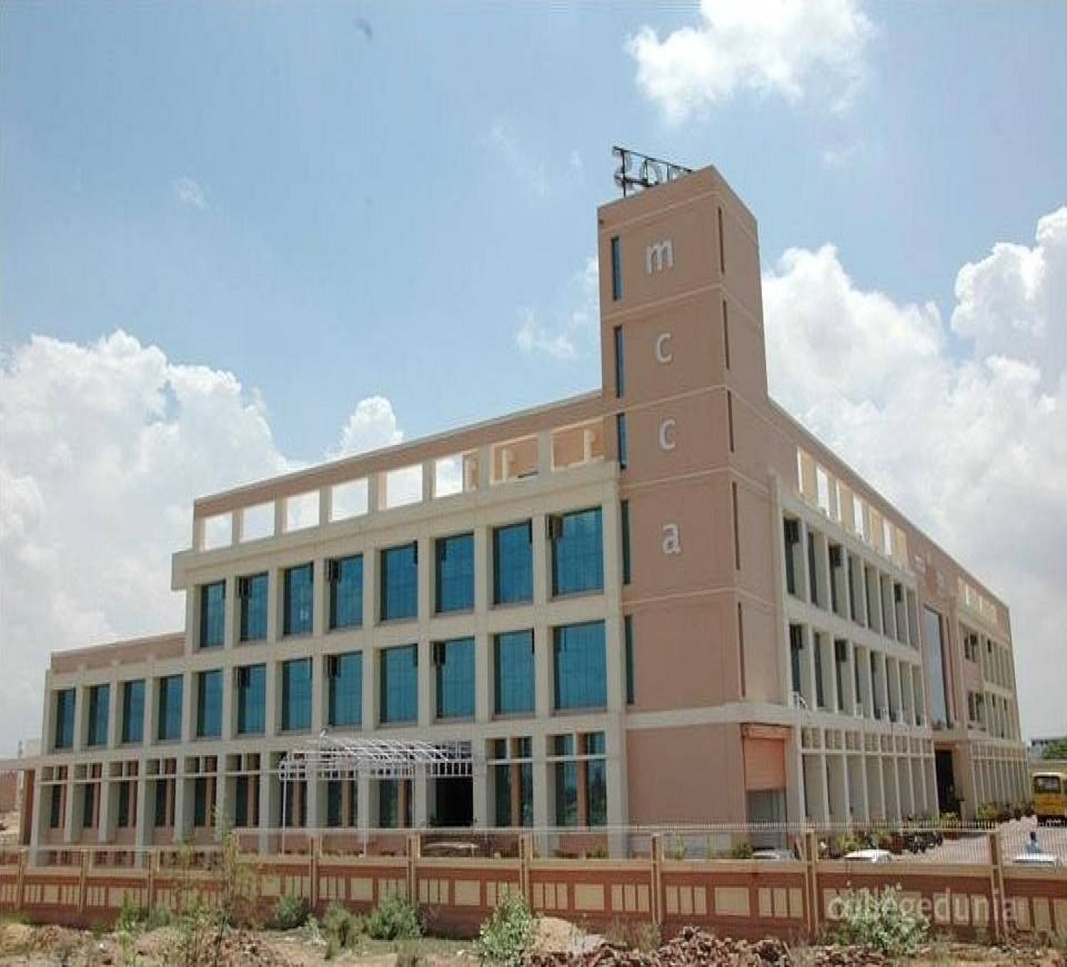Maheshwari College Of Commerce And Arts-cover